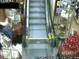 y�r�yen merdivene yaslan�nca olanlar oluyor
