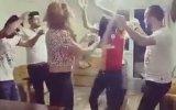 Bir Grup Galatasaraylı Taraftardan Bafetimbi Gomis Dansı