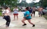Mahalle Kavgasını Aratmayan Kız Kavgası