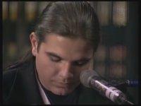 Yıldız Tilbe & Kenan Doğulu  -  Kurşun Adres Sormaz ki (1995)