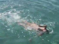 Hülya Avşar'ın Muhteşem Yüzme Stili