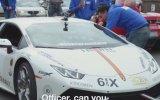 Kanada Polisi Lamborghini'yi Sağa Çekerse