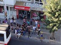 İzmir'de Liselilerin Sokak Kavgası