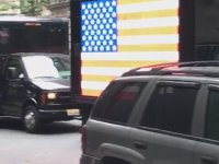 New York Sokaklarında Dombra Çalmak
