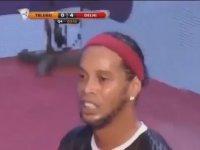 Ronaldinho'nun Futsalda Kaldığı Yerden Devam Etmesi