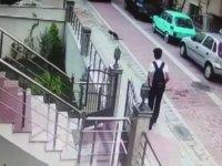 Taksi Şoförünün Köpek Ezip Kaçması - Avcılar