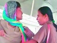 Kadınların Otobüste Kavga Etmesi