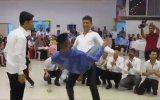 Çilli Bom Dansında Zirve Yapan Gençler