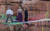 Adrenalin Tutkunu Çiftin Kanyonda İlginç Düğünü