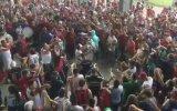 San Lorenzo Taraftarından Despacito Performansı