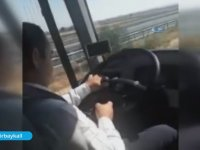 Direksiyon Başında Candy Crush Oynayan Otobüs Şoförü