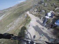 Buz Kaplı Mont Blanc Dağından Bisikletle İnmek