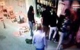 Kadıköy'de Kusma Yüzünden Silahlı Bıçaklı Kavganın Çıkması