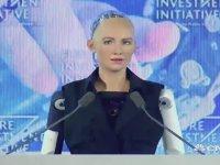 Sophia Adlı Robota Vatandaşlık Verilmesi