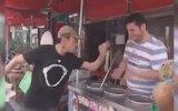 Japon Turistin Maraş Dondurmacısından İntikam Alması