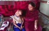 Kafasını 180 Derece Çeviren Kız  Pakistan