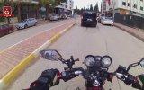 Durduk Yere Tartışma Çıkaran Motorcu