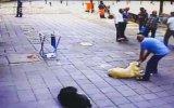 Köpekten Korkan Esnafa Köpek Şakası  Zeytinburnu