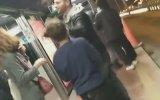 İncirli Metrobüs Durağında Mutlu Sonlu Kavga