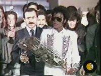 Michael Jackson TRT Yılbaşı İçin Türkiye'de (TRT Arşivi - 1985)