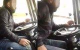 Tespih Çekip, Video İzlerken Minibüs Kullanmak