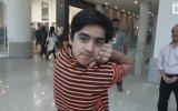 Pakistanlı Gencin Kafasını 180 Derece Döndürmesi