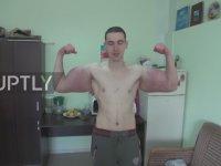 Enjeksiyonla 64cm Kol Kasına Sahip Olan Rus