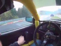 Nürburgring Pistinde Gelenin Geçenin Kaza Yapması