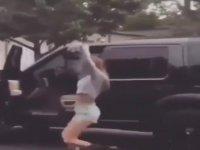 Arabasından İnip Dans Eden Güzele Türk İşi Yanıt