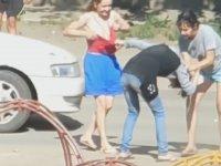 Rus Kızların Sokak Ortasında Tekme Tokat Kavga Etmesi