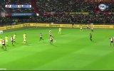 Feyenoord Taraftarından Kaleciye Duygusal Tribün Gösterisi