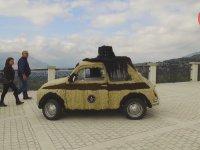Fiat 500 Otomobilin 90 Kilo Saçla Kaplanması