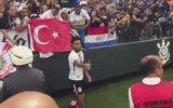 Colin Kazım'ın Türk Bayraklı Şampiyonluk Kutlaması