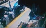 Hırsızlık Yaparken Yakalanınca Yoldan Geçen Adama Saldırmak