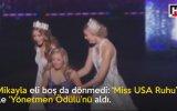 Down Sendromlu Kızın Güzellik Yarışmasında Ödül Alması
