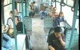 Halk Otobüsünde Panik  Çetin Çiftçioğlu