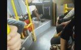 Vitesi Ayağı İle Değiştiren Otobüs Şoförü