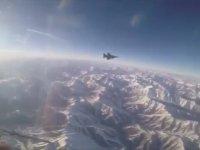 Türk F-16'sının Bomba ile Hedefi İmhası (Kokpit İçi)