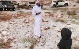 Birleşik Arap Emirlikleri'nde Çöle Kar Yağması