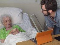 102 Yaşındaki Dansçının Gençliğini İzlemesi