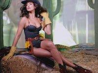 Irina Shayk'in Kovboy Temalı Love Magazine Çekimleri