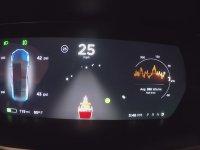 Tesla'dan Yeni Yıl Sürprizi Noel Baba Modu!