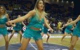 Birbirinden Eğlenceli Danslarıyla Amigo Kızlar