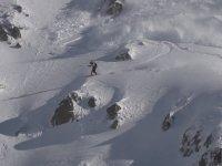 Çığa Neden Olup Kıl Payı Kurtulan Snowboardcu!