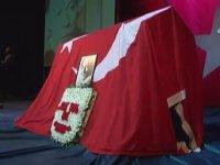 Münir Özkul Son Kez Sahnede (Cenaze Töreni)