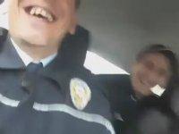Ekip Otosunda Coşan Çılgın Polisler