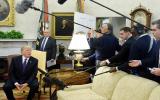 Donald Trump'ın CNN Muhabiri Jim Acosta'yı Oval Ofis'ten Kovması