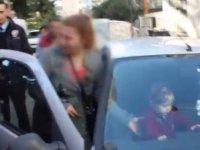 Çocuğunu Araçta Bırakıp Kuaföre Giden Anne - Adana