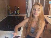 Hem Sesi Hem Kendi Güzel Olan Rus Kızı
