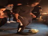 Balotelli'yi Top Cambazı Lisa Zimouche'nin Rezil Etmesi